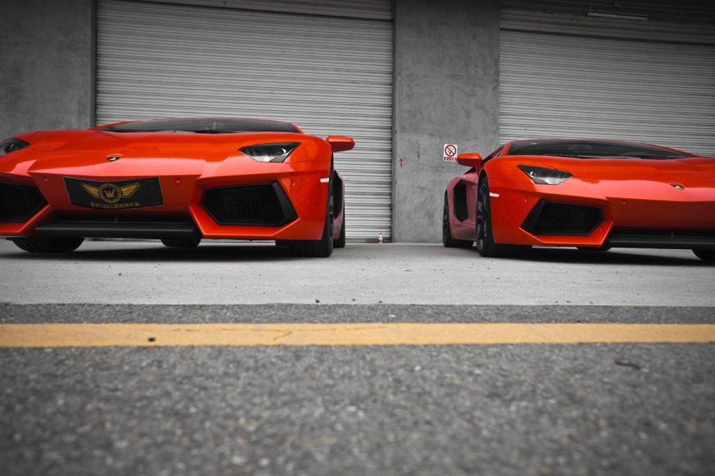 Lamborghini Aventador - iStock_000019500041_Medium