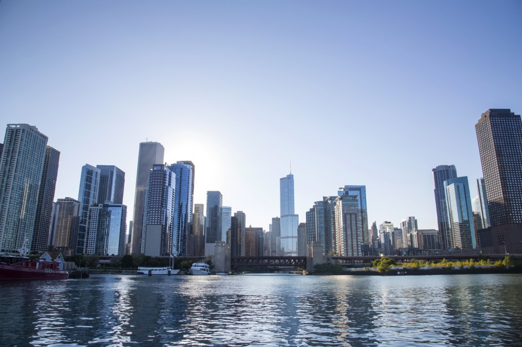 Chicago Skyline - iStock_000056871074_Medium